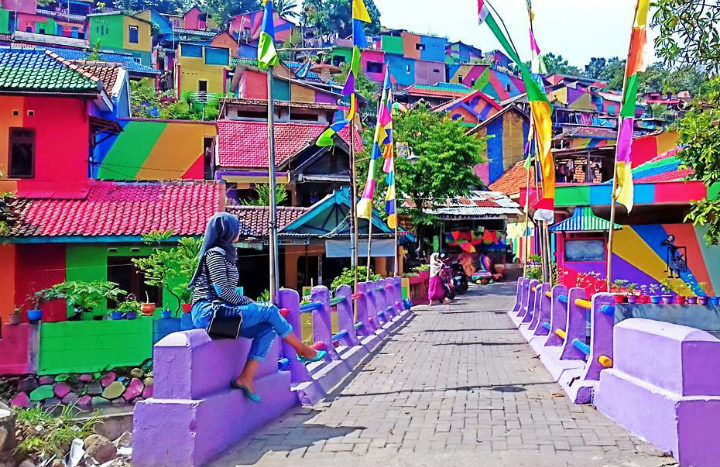 Rainbow-Village-of-South-Semarang-is-the-new-name-of-Kampung-Pelangi-in-Indonesia-on-Instagram-720x467